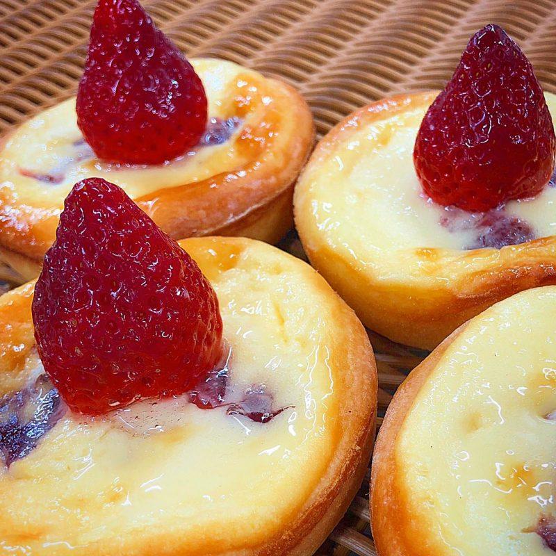 イチゴのチーズタルト